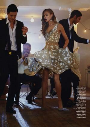 Anna Selezneva: Elle Spain -09