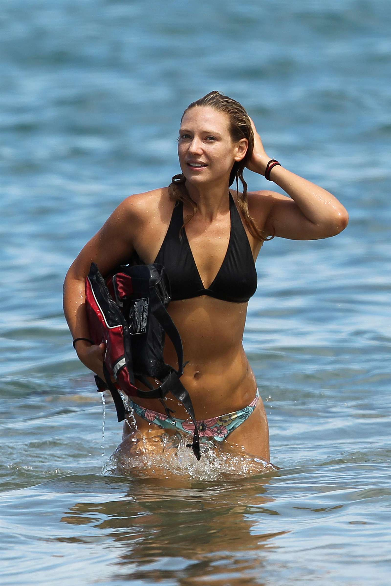 Anna Torv – Bikini in Hawaii-18
