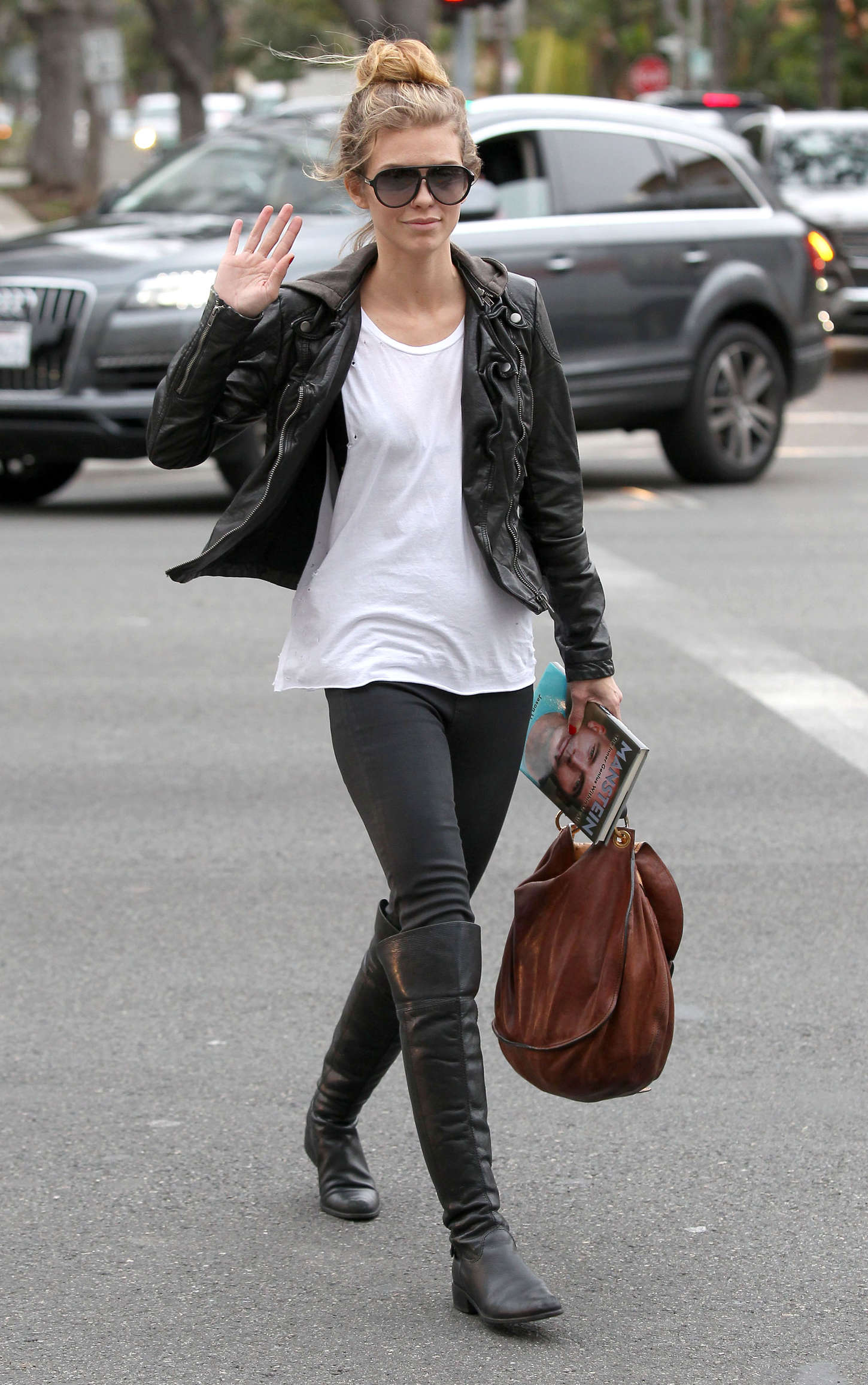 AnnaLynne McCord 2014 : AnnaLynne McCord in Tights -09