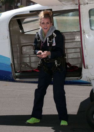 AnnaLynne McCord Skydives from 18 000 feet at Charity Event -07
