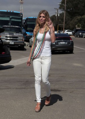 AnnaLynne McCord Skydives from 18 000 feet at Charity Event -14
