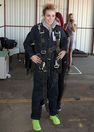 AnnaLynne McCord Skydives from 18 000 feet at Charity Event -16