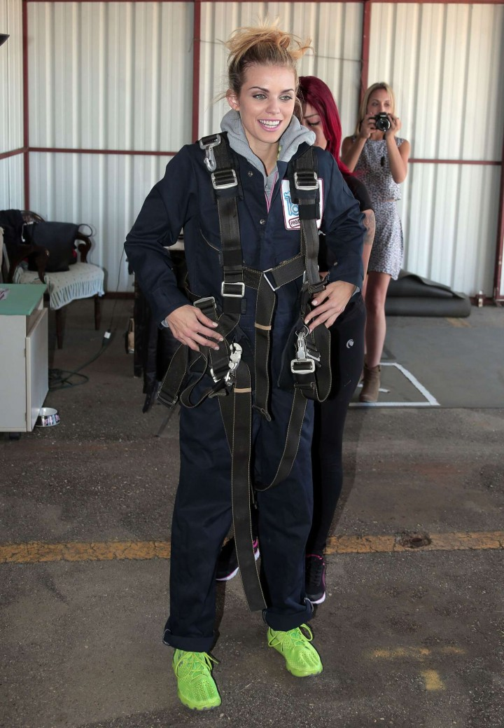 AnnaLynne McCord 2014 : AnnaLynne McCord Skydives from 18 000 feet at Charity Event -16