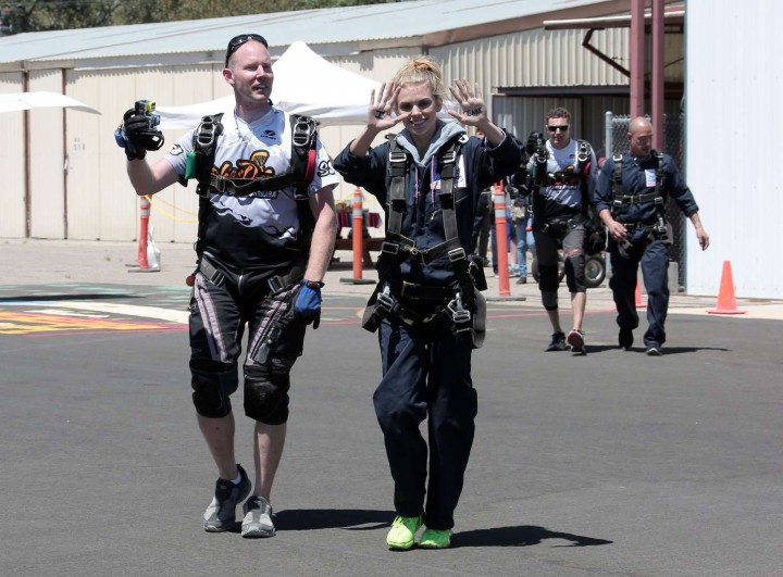 AnnaLynne McCord Skydives from 18 000 feet at Charity Event -17