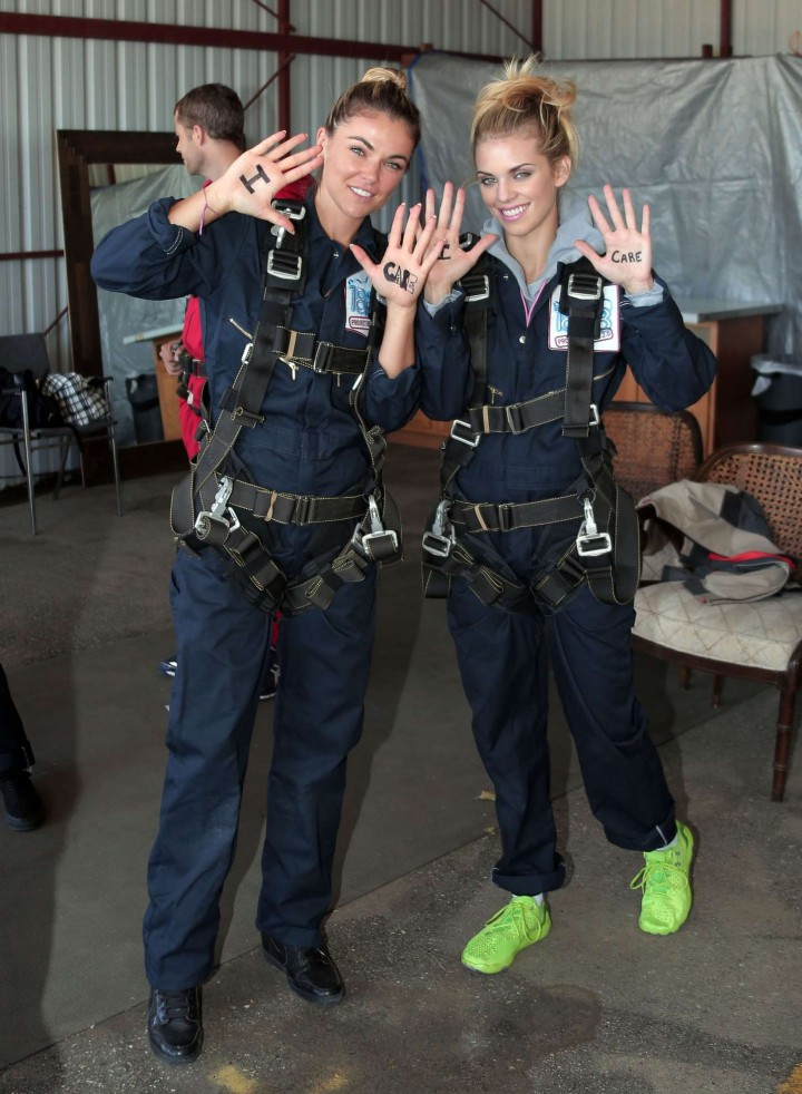 AnnaLynne McCord 2014 : AnnaLynne McCord Skydives from 18 000 feet at Charity Event -19