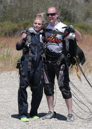 AnnaLynne McCord Skydives from 18 000 feet at Charity Event -22