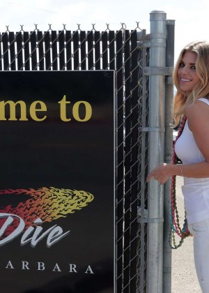 AnnaLynne McCord Skydives from 18 000 feet at Charity Event -26