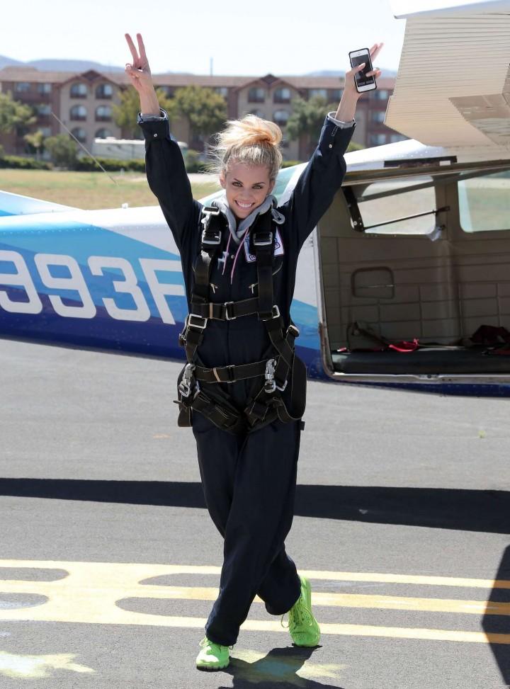 AnnaLynne McCord 2014 : AnnaLynne McCord Skydives from 18 000 feet at Charity Event -29