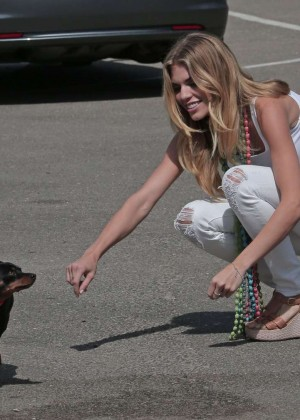 AnnaLynne McCord Skydives from 18 000 feet at Charity Event -30