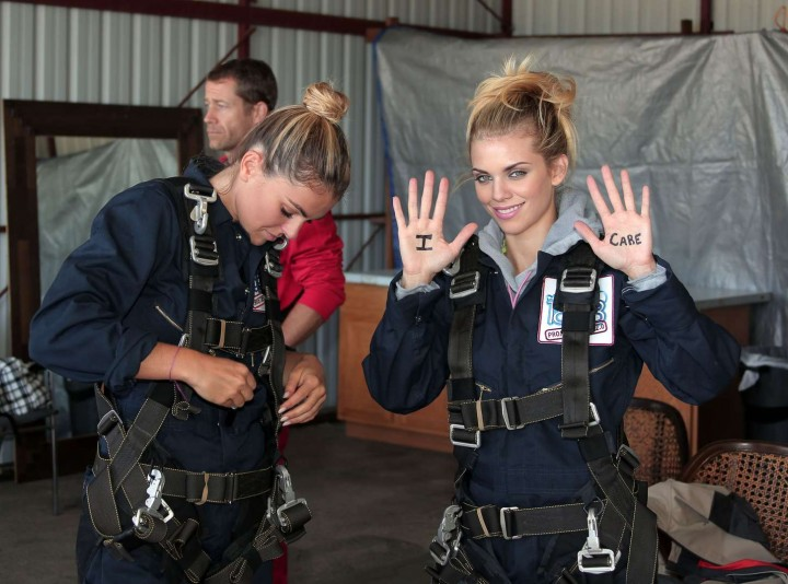 AnnaLynne McCord 2014 : AnnaLynne McCord Skydives from 18 000 feet at Charity Event -31