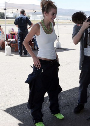 AnnaLynne McCord Skydives from 18 000 feet at Charity Event -33