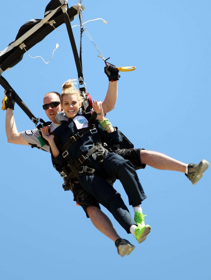 AnnaLynne McCord Skydives from 18 000 feet at Charity Event -41
