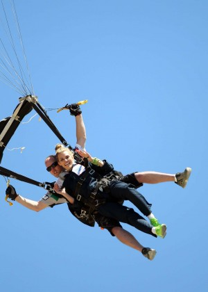 AnnaLynne McCord Skydives from 18 000 feet at Charity Event -44
