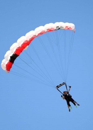 AnnaLynne McCord Skydives from 18 000 feet at Charity Event -50