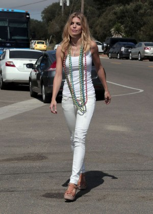 AnnaLynne McCord Skydives from 18 000 feet at Charity Event -59