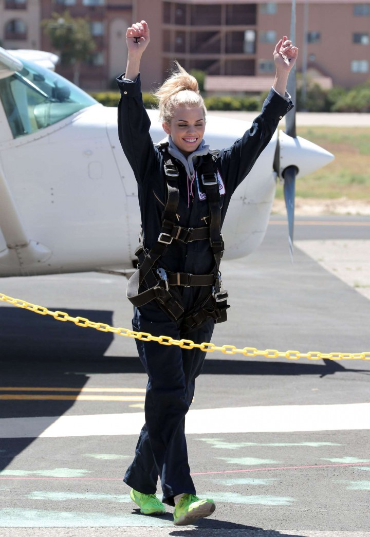 AnnaLynne McCord Skydives from 18 000 feet at Charity Event -62