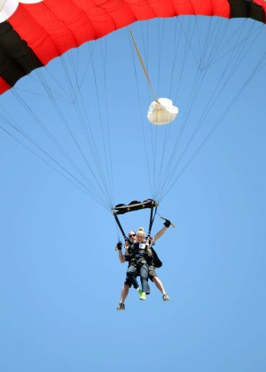 AnnaLynne McCord Skydives from 18 000 feet at Charity Event -69