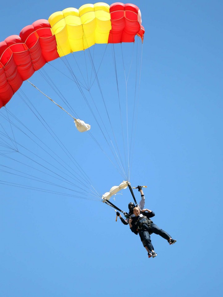AnnaLynne McCord Skydives from 18 000 feet at Charity Event -76