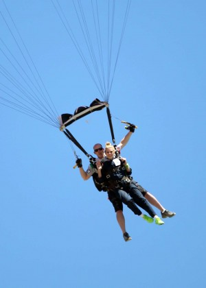 AnnaLynne McCord Skydives from 18 000 feet at Charity Event -79