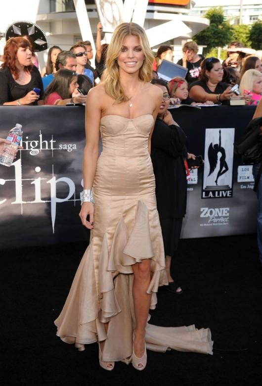 AnnaLynne McCord 2010 : annalynne-mccord-twilight-saga-eclipse-premiere-nokia-theater-in-la-20