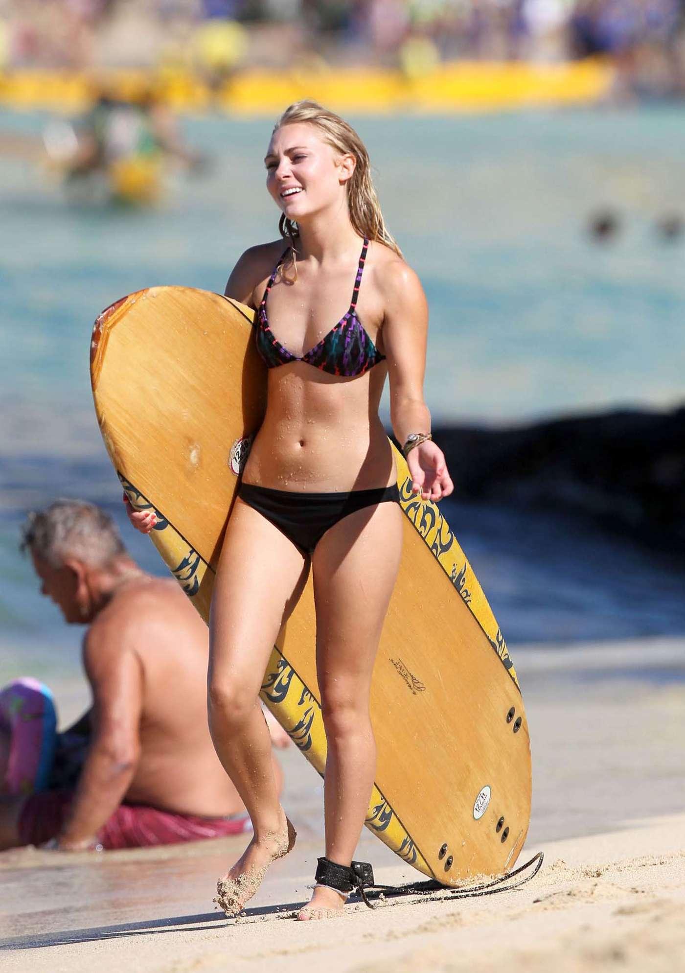 AnnaSophia Robb in Bikini Paddleboarding -04 - GotCeleb