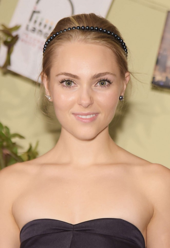 AnnaSophia Robb - Lang Lang & Friends Gala in New York