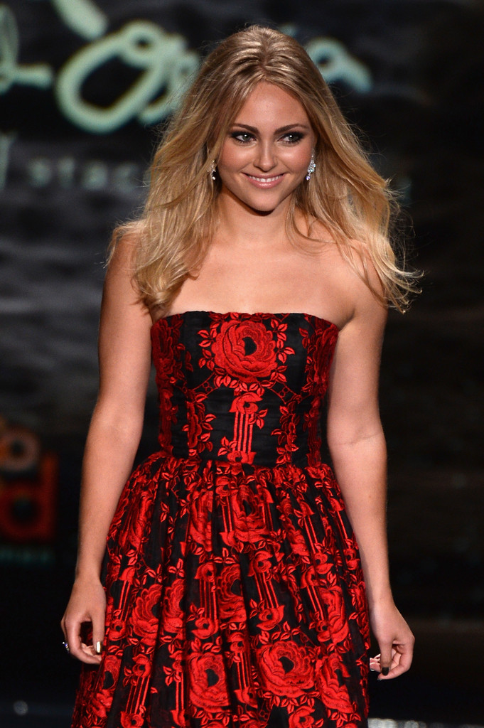 AnnaSophia Robb: 2014 Red Dress Fashion Show -03
