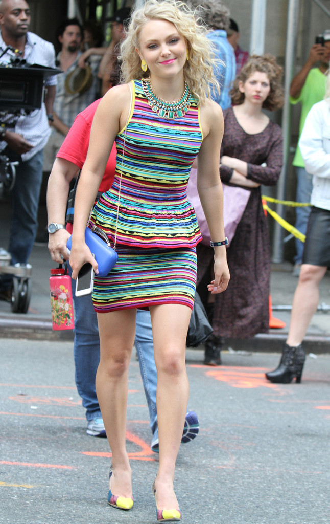 annasophia robb photos the carrie diaries set in nyc 32