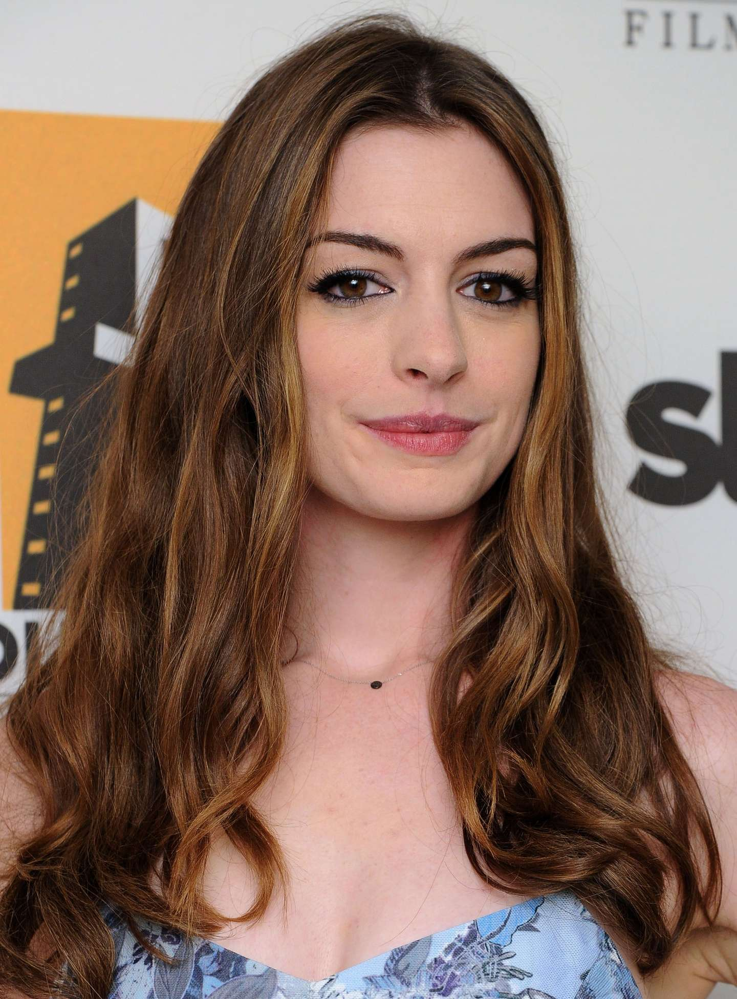 anne hathaway movies list imdb hathaway 2011 oscar red carpet anne hathaway 2011 academy awards imdb