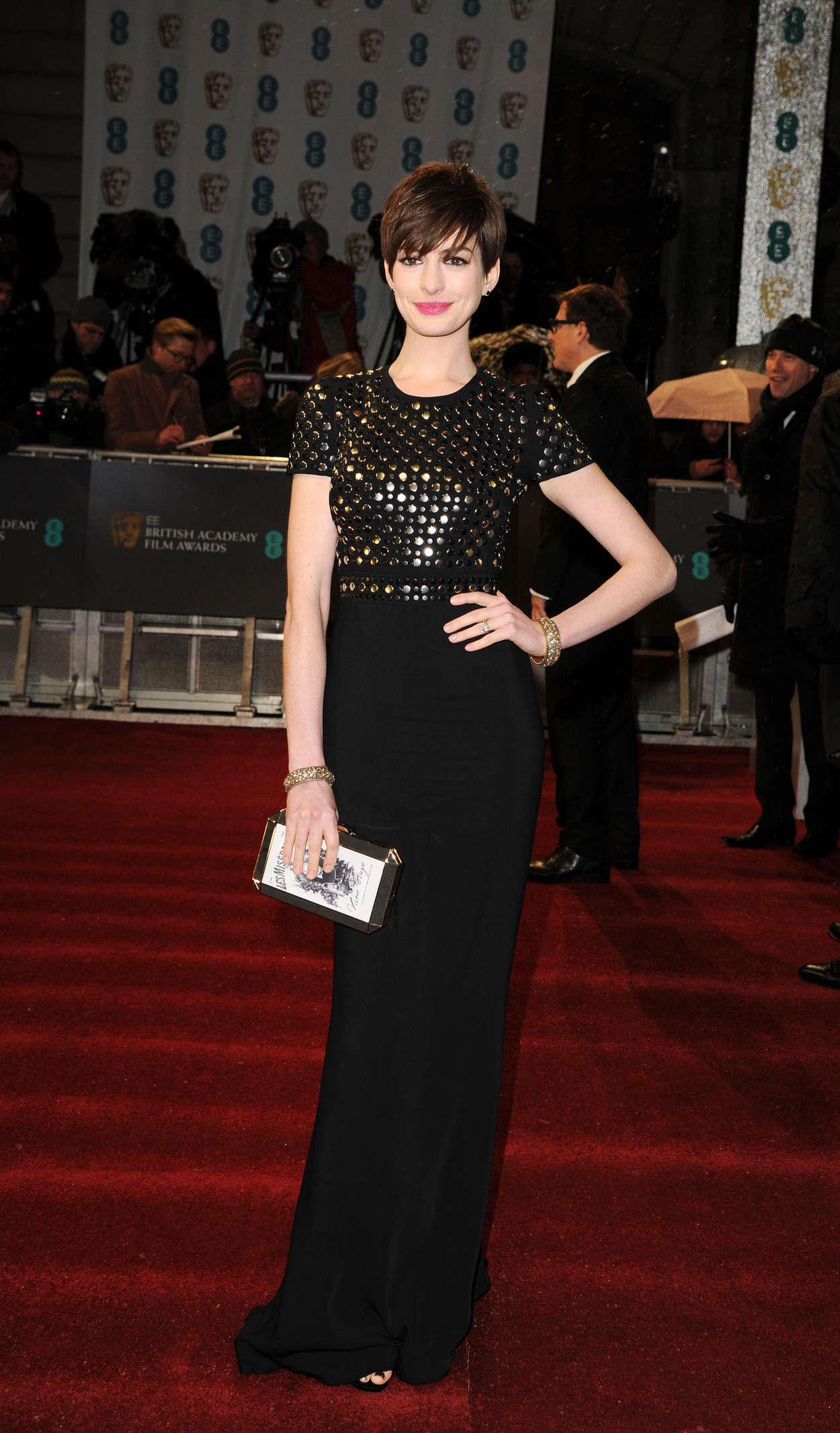 Anne Hathaway: 2014 Chanel Charles Finch Pre-Oscar Dinner