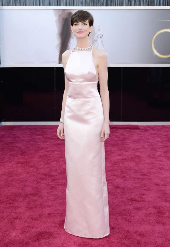 Anne Hathaway – Oscars 2013 -01