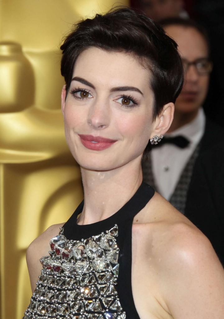 Anne Hathaway: 2014 American Cinematheque Award -04 | GotCeleb