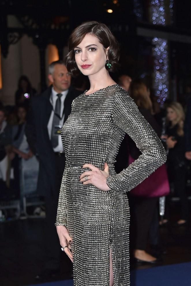 """Anne Hathaway - """"Interstella"""" Premiere in London"""