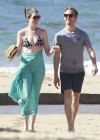 Anne Hathaway Bikini in Hawaii -15