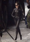 anne-hathaway-catwoman-on-set-of-the-dark-knight-rises-sept-24-08