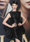 Anne Hathaway at Premiere Les Miserables in NY