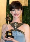 Anne Hathaway - Oscar 2013 - Vanity Fair Party -04