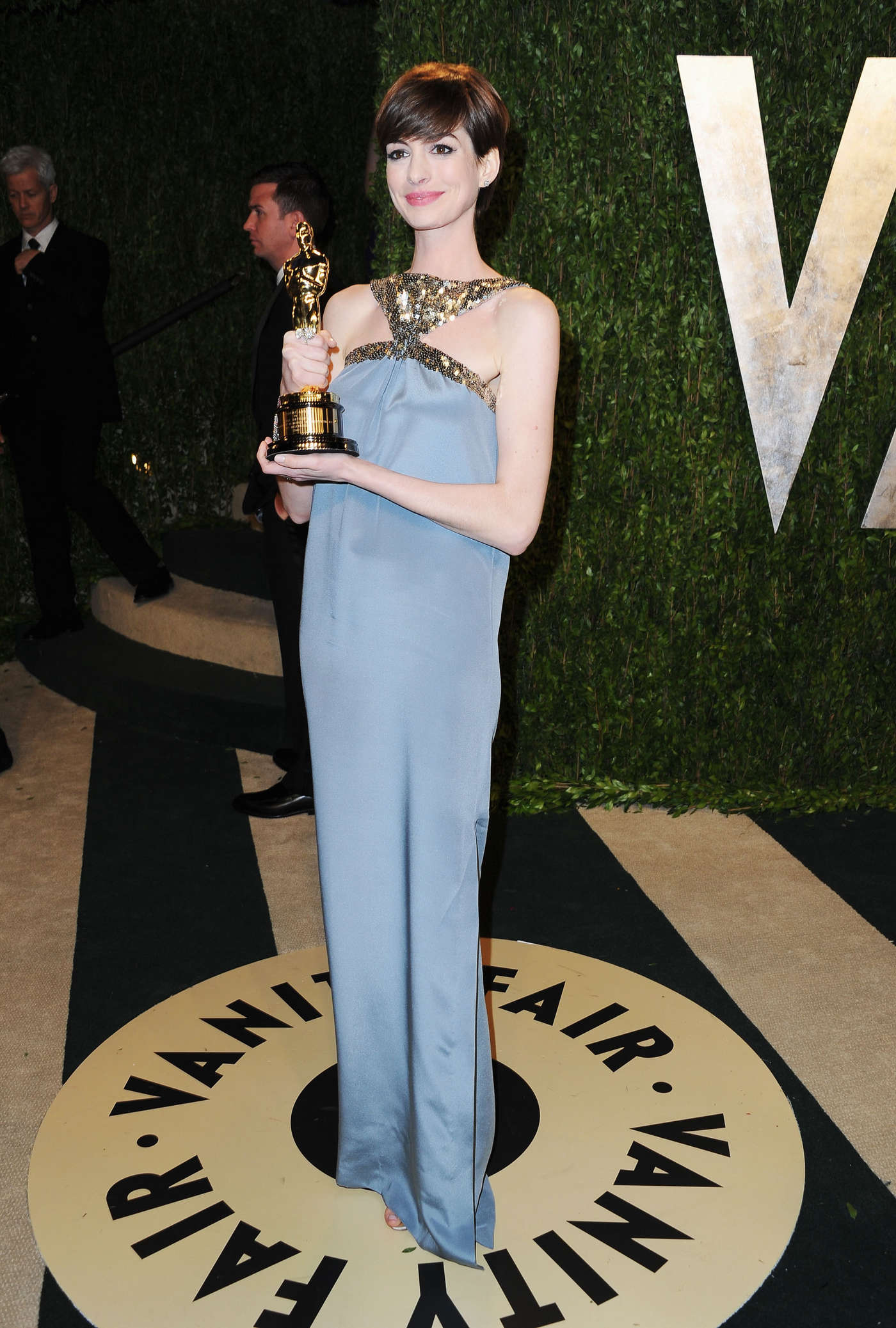 Anne Hathaway - Oscar 2013 - Vanity Fair Party -04 - GotCeleb