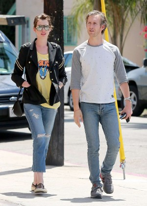 Anne Hathaway in Ripped Jeans - out in Beverly Hills