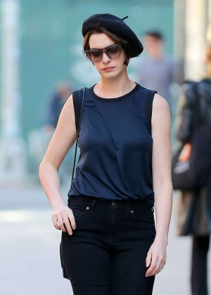 Anne Hathaway in Parisian beret out in NYC