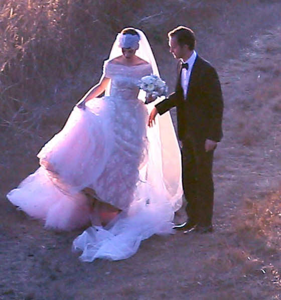 Anne Hathaway – Wedding Photos-30