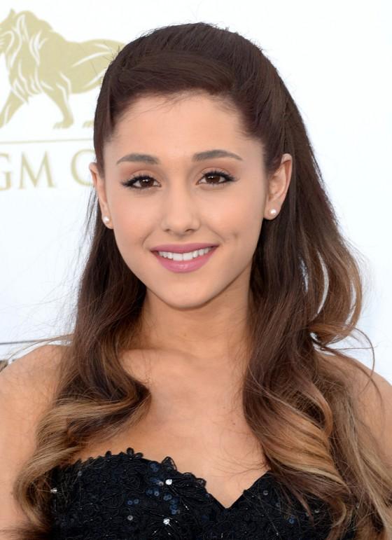 Ariana Grande – 2013 Billboard Music Awards -02