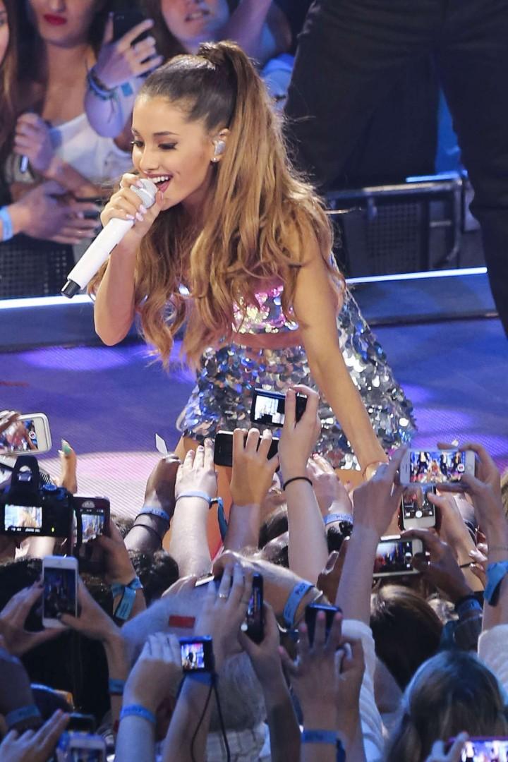 Ariana Grande – 2014 MuchMusic Video Awards in Toronto -02