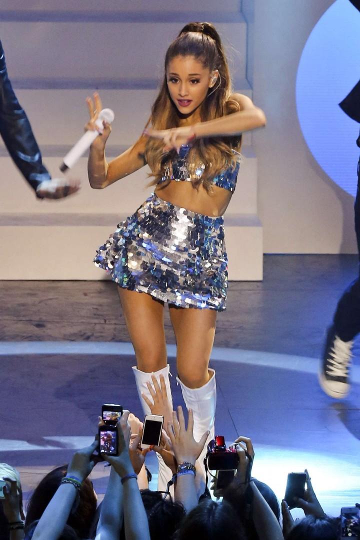 Ariana Grande – 2014 MuchMusic Video Awards in Toronto -06