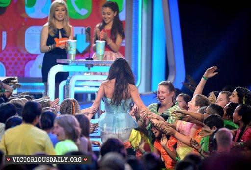 Ariana Grande – 2013 Kids Choice Awards -10