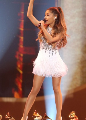 Ariana Grande - A Very GRAMMY Christmas in LA