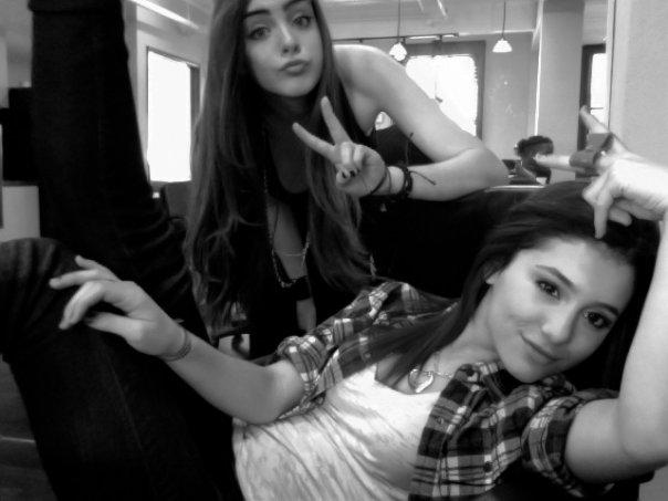 Ariana Grande And Elizabeth Gillies-03 – GotCeleb