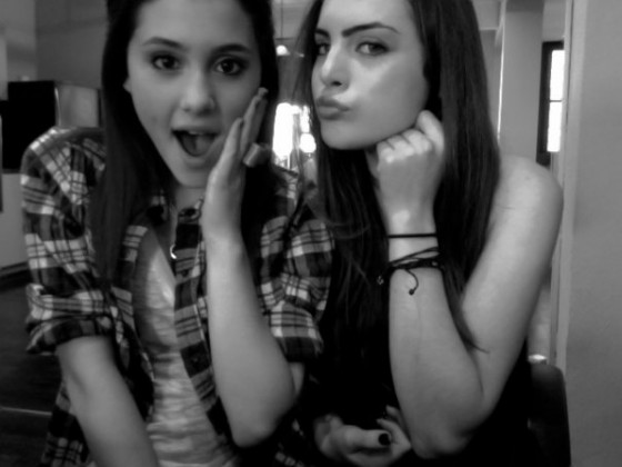 Ariana Grande And Elizabeth Gillies-05