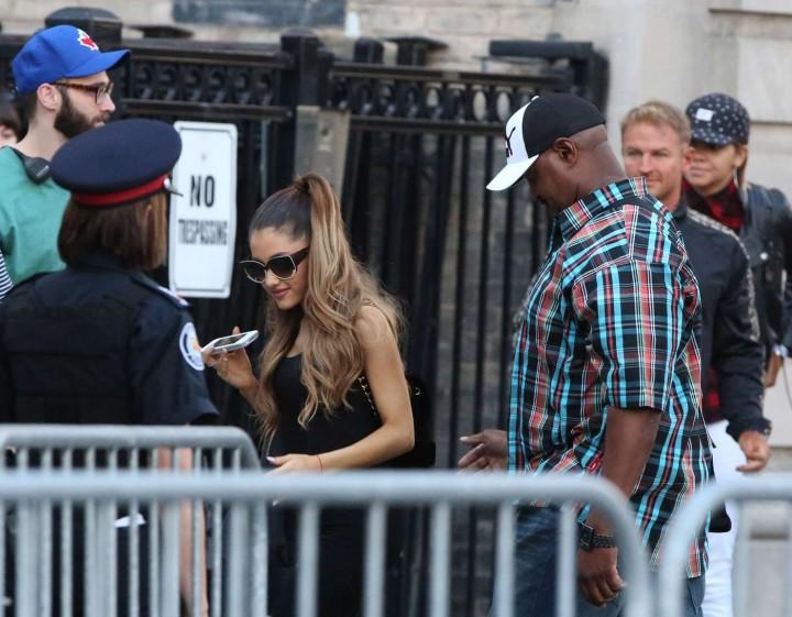 Ariana Grande concert photos -13