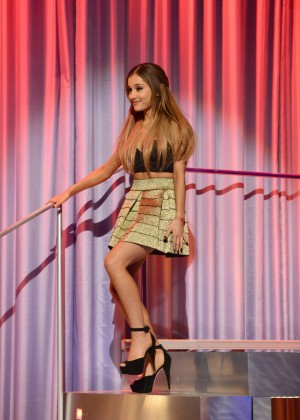 "Ariana Grande - ""Alan Carr: Chatty Man"" Show in London"